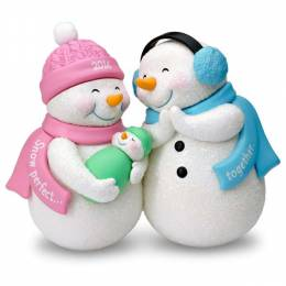 Hallmark New Parents and Baby Snowmen Ornament