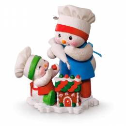 Hallmark Making Memories Frosting Friends Snowmen and Gingerbread Ornament