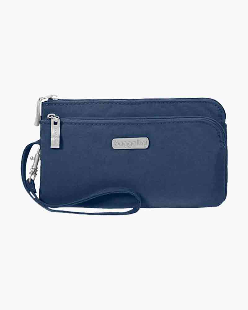baggallini RFID Double Zip Wristlet in Pacific