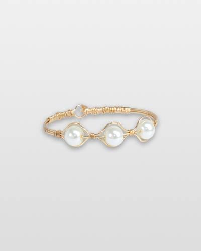 Lustrous Pearls Bracelet