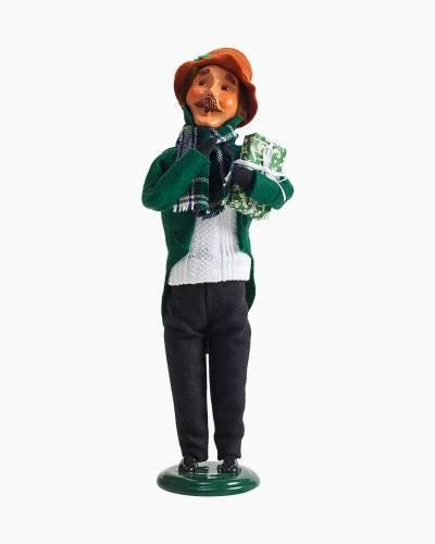 Exclusive Plaid Man Carolers Figurine