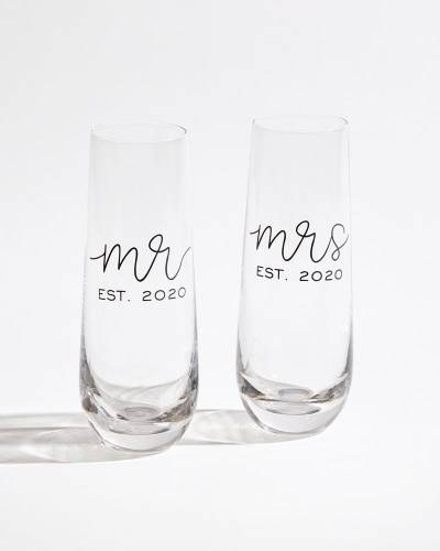 Exclusive Mr. and Mrs. Est. 2020 Champagne Flute Set
