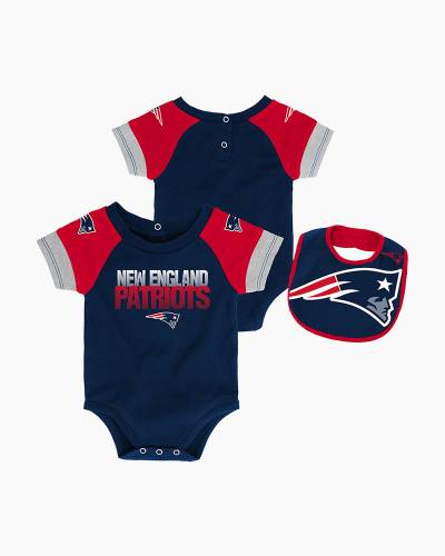 New England Patriots 50 Yard Pass Baby Creeper, Bib, and Booties Set