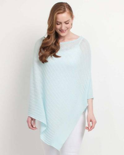 Exclusive Light Lace Poncho in Mint