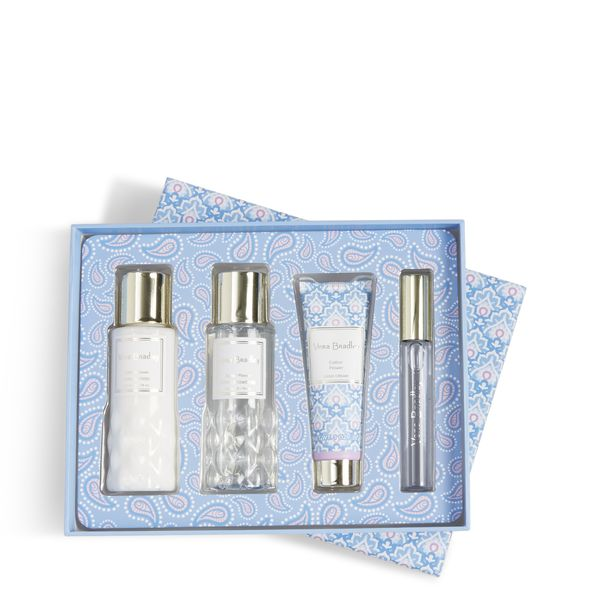 Vera Bradley Discovery Travel Set in Cotton Flower