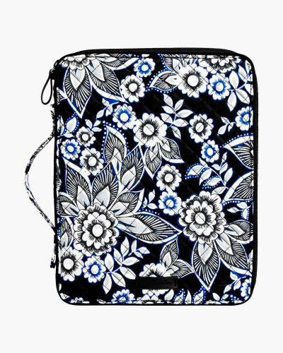 Iconic Tablet Tamer Organizer in Snow Lotus