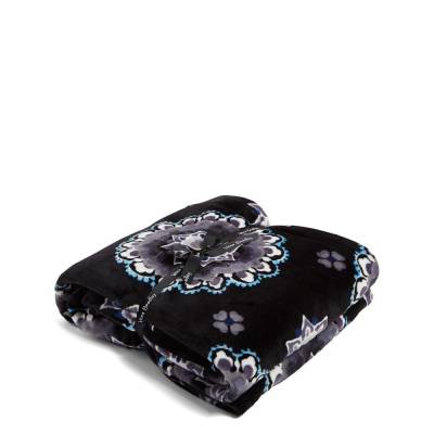 Plush Throw Blanket in Charcoal Medallion