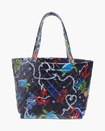 Quilted Beach Tote in Classic Navy