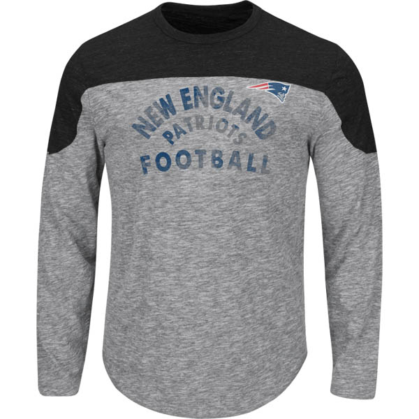 Majestic New England Patriots Men's Corner Blitz Long Sleeve Top