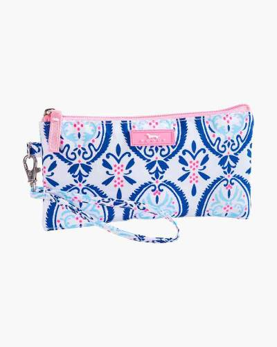 Kate Wristlet in Rouge and Navy Medallion