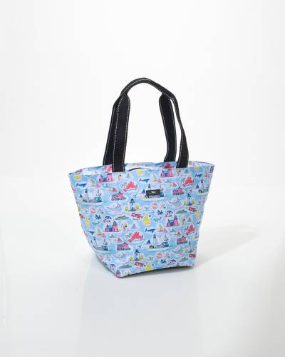 Daytripper Tote in New England
