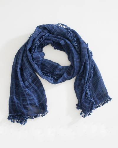 Woven Checkered Scarf in Navy