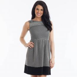 Gilli Black and White Zigzag Pattern Dress