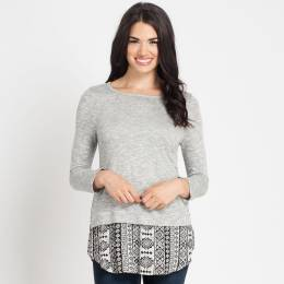 Gilli Button-Back Printed Hem Top in Heather Grey