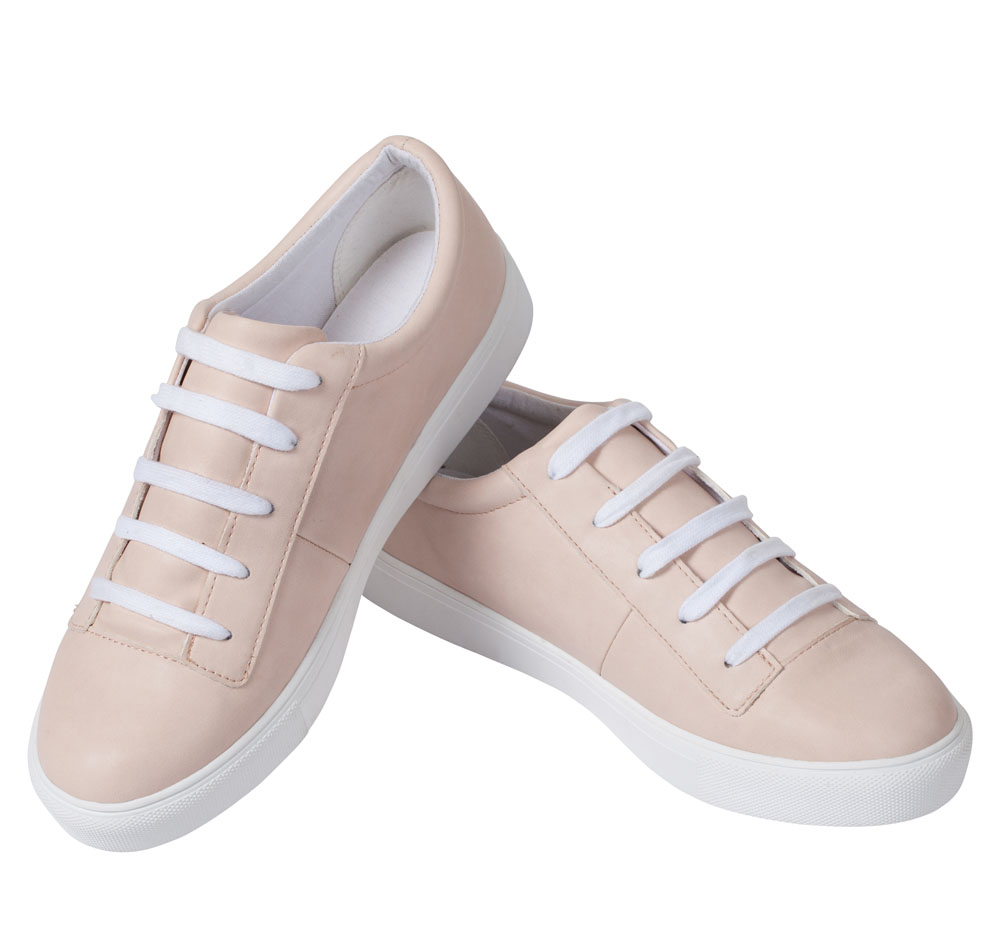 Mia Classic Sneakers in Pale Pink