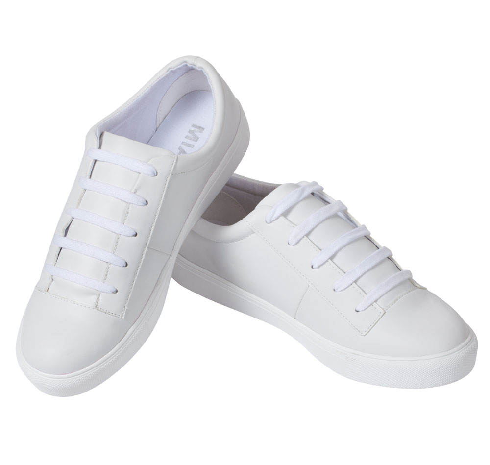 Mia Classic Sneakers in White Canvas