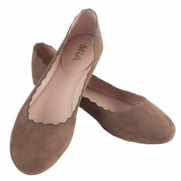 Mia Scalloped Ballet Flats in Taupe