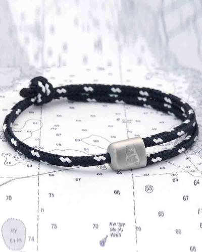 Cuttyhunk Bracelet in Navy and White