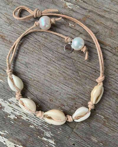 Cowrie Shell Anklet in Natural